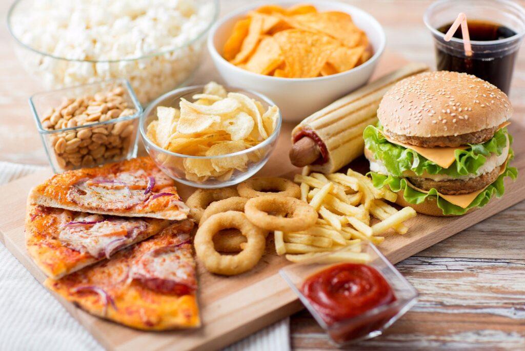 bệnh trĩ kiêng ăn gì